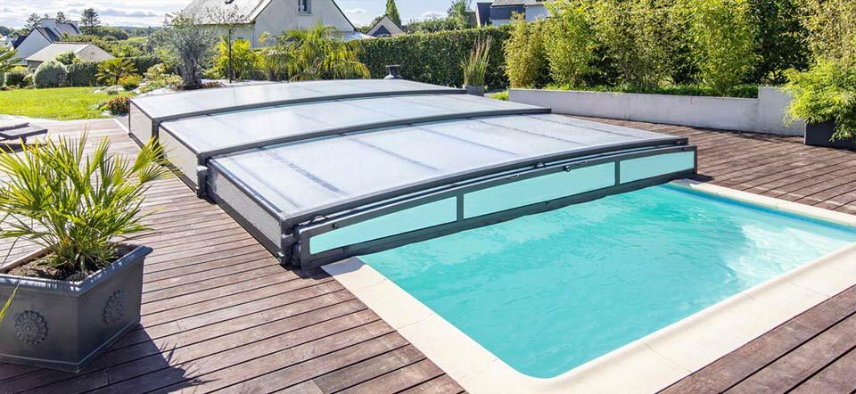 Cubiertas para piscinas: descubre en qué se diferencian algunos tipos